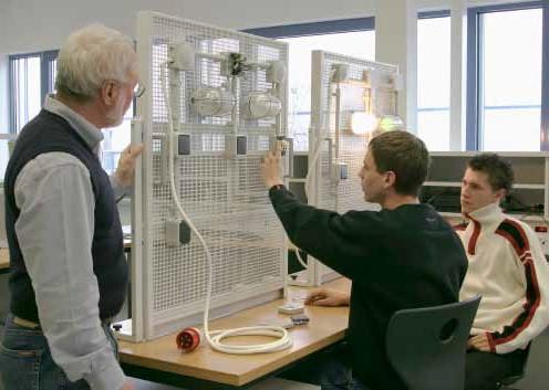 Gitterwand für die Installationstechnik